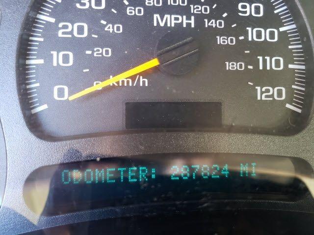 2004 GMC Yukon XL 1500 - 18247241 - 8