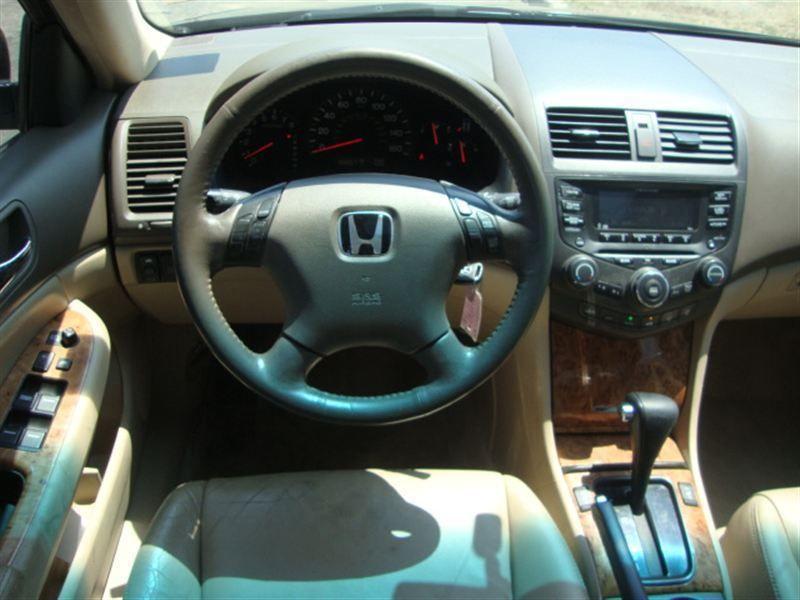 2004 Honda Accord EX V6 Sedan   7221830   12