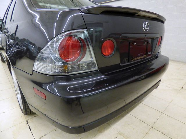 2004 Lexus IS 300 Base Trim - Click to see full-size photo viewer