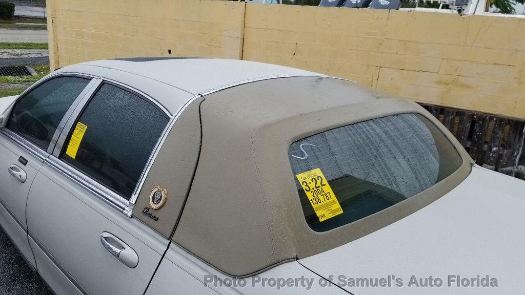 2004 Lincoln Town Car 4dr Sedan Ultimate - 19526948 - 3