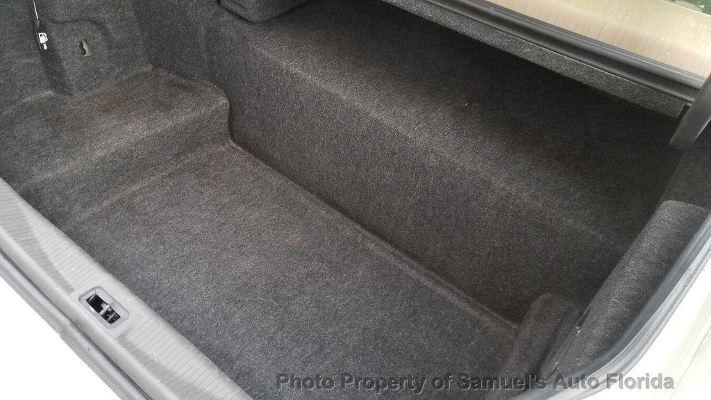 2004 Lincoln Town Car 4dr Sedan Ultimate - 19526948 - 67