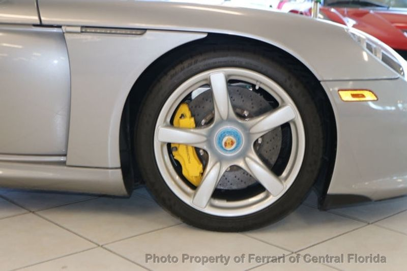 2004 Porsche Carrera GT 2dr Carrera - Click to see full-size photo viewer