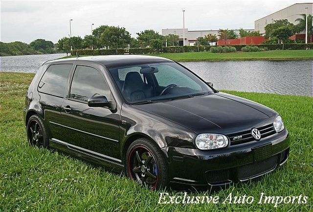 2004 Volkswagen R32 Base Trim - Click to see full-size photo viewer
