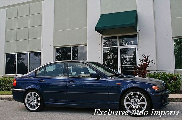 2005 BMW 3 Series 330i 4dr Sdn RWD - Click to see full-size photo viewer
