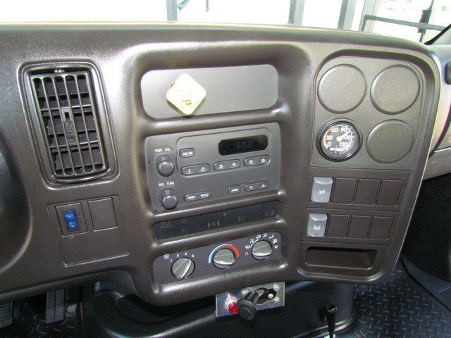 2005 Chevrolet C7500 Mechanics Service Truck - 14172103 - 21