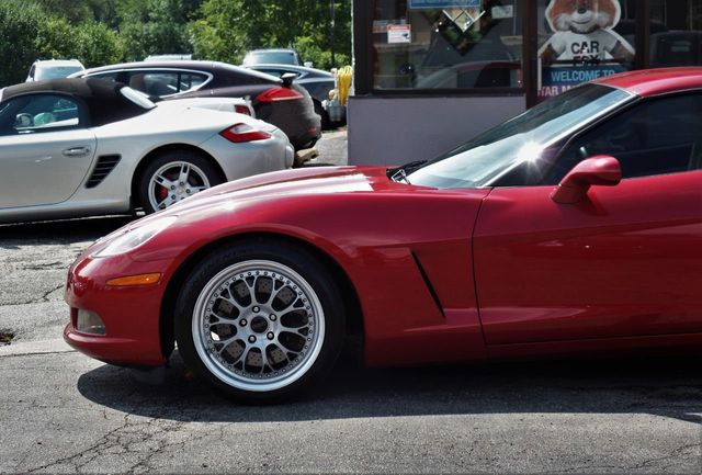 2005 Chevrolet Corvette 2dr Coupe - Click to see full-size photo viewer