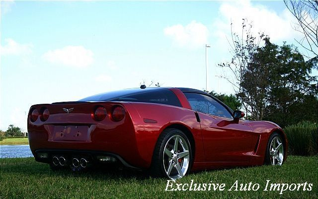 2005 Chevrolet Corvette Fully-loaded 1SB Package - Click to see full-size photo viewer