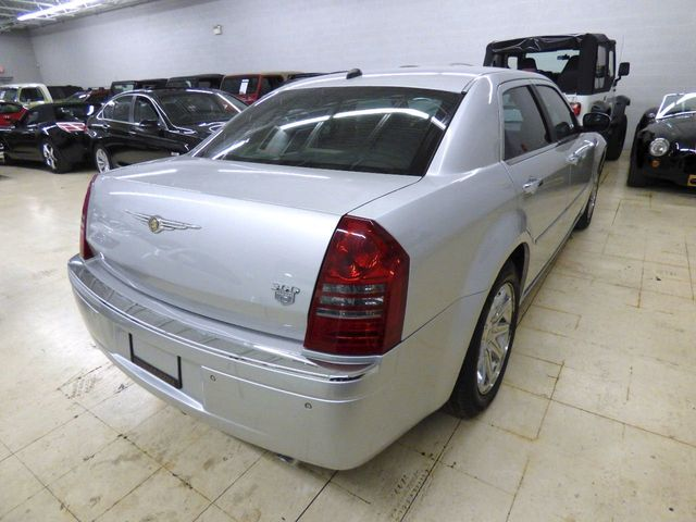 2005 Chrysler 300 4dr Sedan 300C *Ltd Avail* - Click to see full-size photo viewer