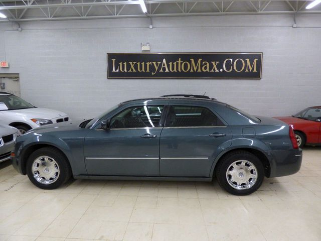 2005 Chrysler 300 4dr Sedan 300 Touring *Ltd Avail* - Click to see full-size photo viewer