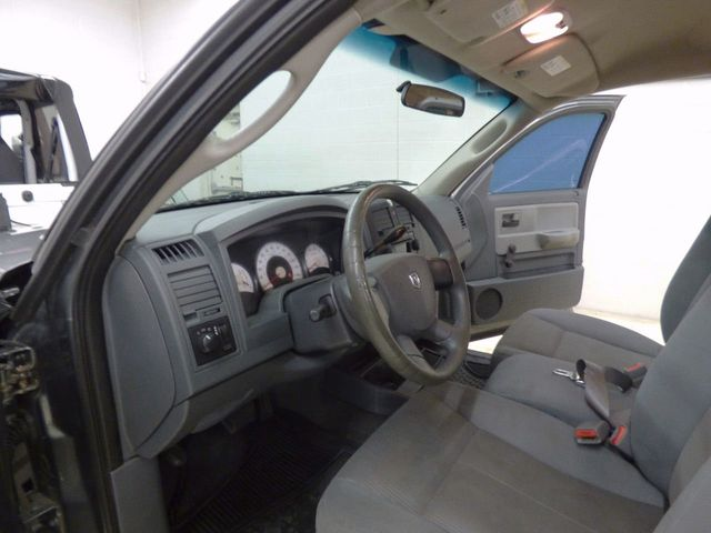 2005 Dodge Dakota Club Cab ST - Click to see full-size photo viewer