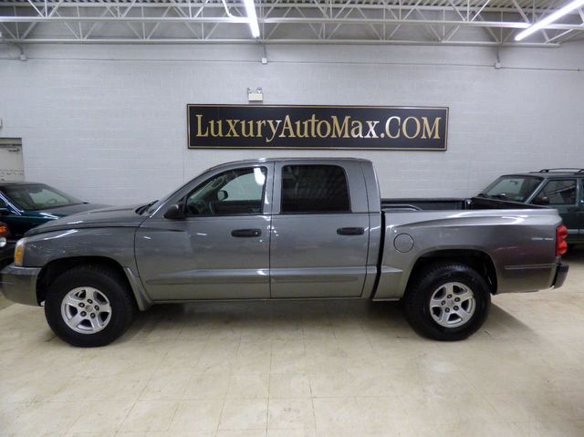 2005 Dodge Dakota Quad Cab SLT - Click to see full-size photo viewer