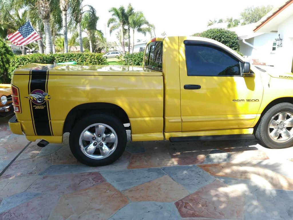 Dodge Ram Truck Bed For Sale >> 2005 Dodge Ram 1500 Rumble Bee Limited Edition For Sale Truck Regular Cab Short Bed For Sale Riverhead Ny 20 995 Motorcar Com