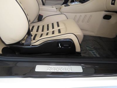 2005 Ferrari 575 Superamerica One of One in White - Click to see full-size photo viewer