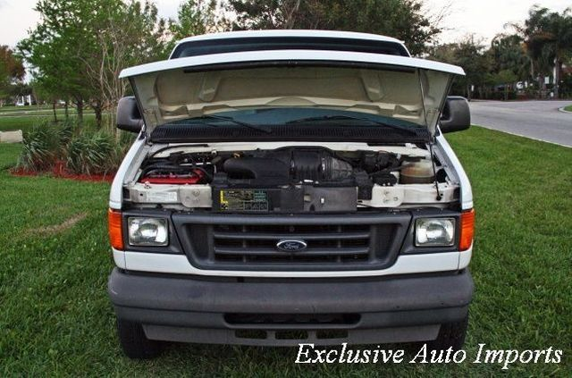 2005 Ford Econoline Cargo Van E-250 - Click to see full-size photo viewer