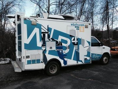 2005 Ford Econoline Commercial Cutaway NEWS SAT TRUCK - Click to see full-size photo viewer