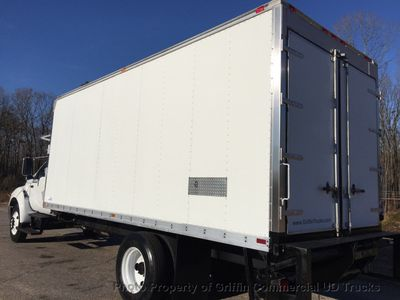 2005 Ford F650/F750 NON CDL HUGE REEFER JUST 12k MILES ONE OWNER!! SUPER LOW HOURS!! - Click to see full-size photo viewer