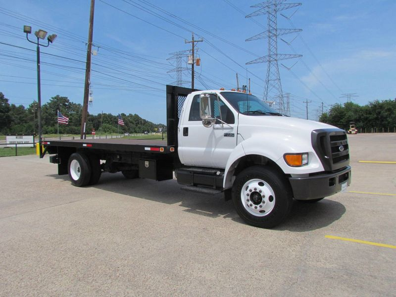 2005 Ford F750 Flatbed - 17474280 - 1