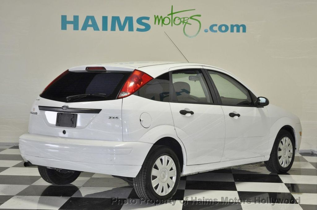 2005 used ford focus 5dr hatchback zx5 s at haims motors. Black Bedroom Furniture Sets. Home Design Ideas
