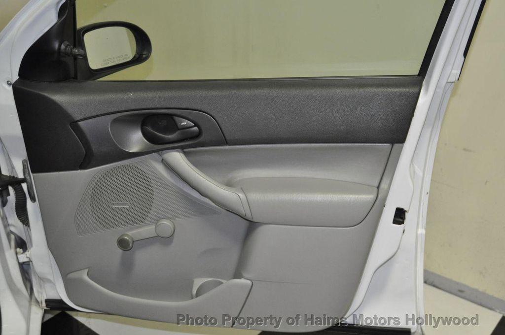2005 ford focus zx5 manual hatchback