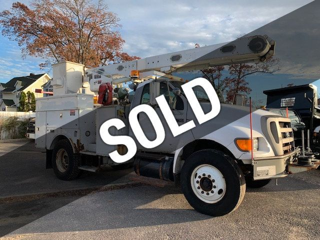 2005 Ford F-750 47 FOOT OVER CENTER ALTEC BUCKET BOOM TRUCK - 18286768 - 0