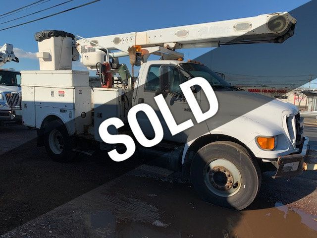 2005 Ford F-750 47 FOOT OVER CENTER ALTEC BUCKET BOOM TRUCK - 18368583 - 0
