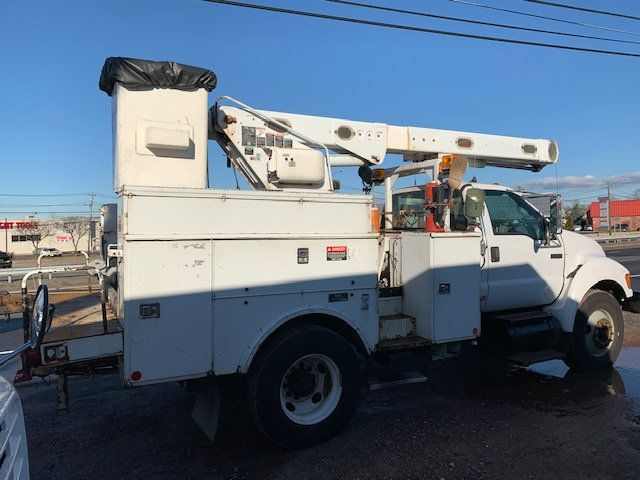 2005 Ford F-750 47 FOOT OVER CENTER ALTEC BUCKET BOOM TRUCK - 18368583 - 1