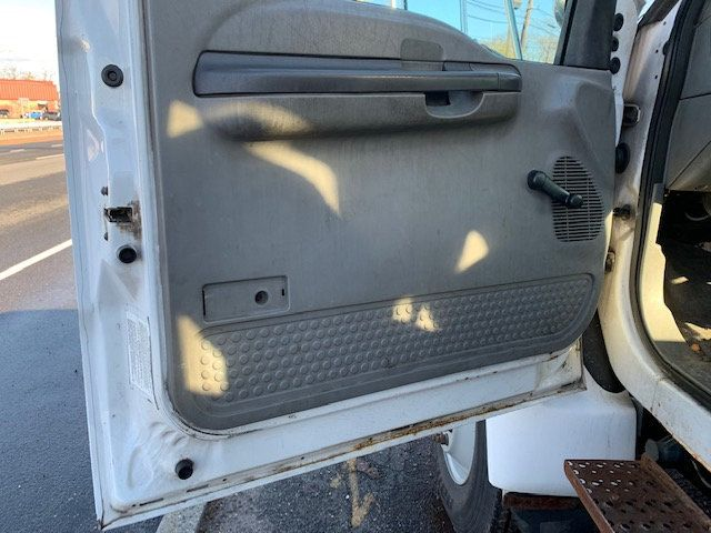 2005 Ford F-750 47 FOOT OVER CENTER ALTEC BUCKET BOOM TRUCK - 18368583 - 26