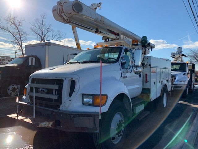 2005 Ford F-750 47 FOOT OVER CENTER ALTEC BUCKET BOOM TRUCK - 18368583 - 3