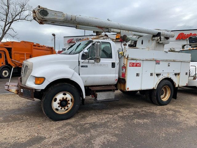 2005 Ford F-750 47 FOOT OVER CENTER ALTEC BUCKET BOOM TRUCK - 18418337 - 0