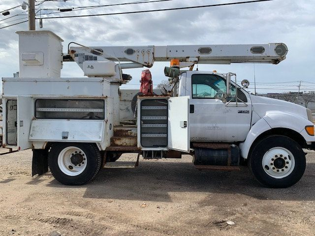 2005 Ford F-750 47 FOOT OVER CENTER ALTEC BUCKET BOOM TRUCK - 18418337 - 1