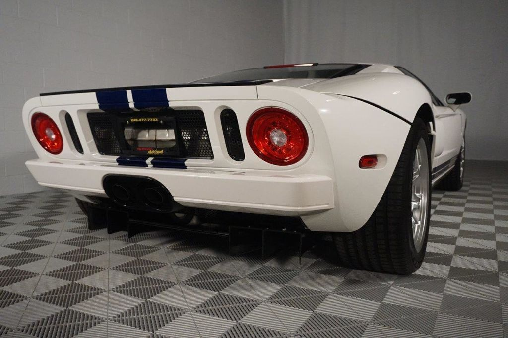 2005 Ford GT 2dr Coupe - 15042143 - 10