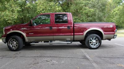 """2005 Ford Super Duty F-250 Crew Cab 156"""" Lariat 4WD - Click to see full-size photo viewer"""
