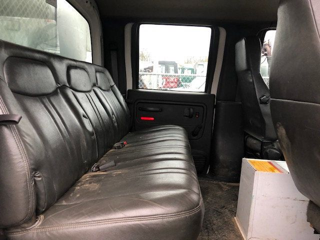 2005 GMC C7500 CREW CAB 4 DOOR ENCLOSED UTILITY SERVICE VAN AIR UNDER MOUNT DECK AIR COMPRESSOR - 18326758 - 15