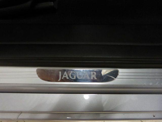 2005 Jaguar XJ 4dr Sedan XJ8 LWB - Click to see full-size photo viewer