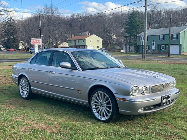 2005 Jaguar XJR VERY HARD TO FIND XJR MODEL W/SUPER LOW MILES!  - Click to see full-size photo viewer