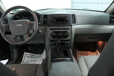 ... 2005 Jeep Grand Cherokee 4dr Laredo 4WD   Click To See Full Size Photo  Viewer