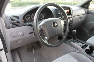 2005 Kia Sorento 4dr LX Automatic - Click to see full-size photo viewer