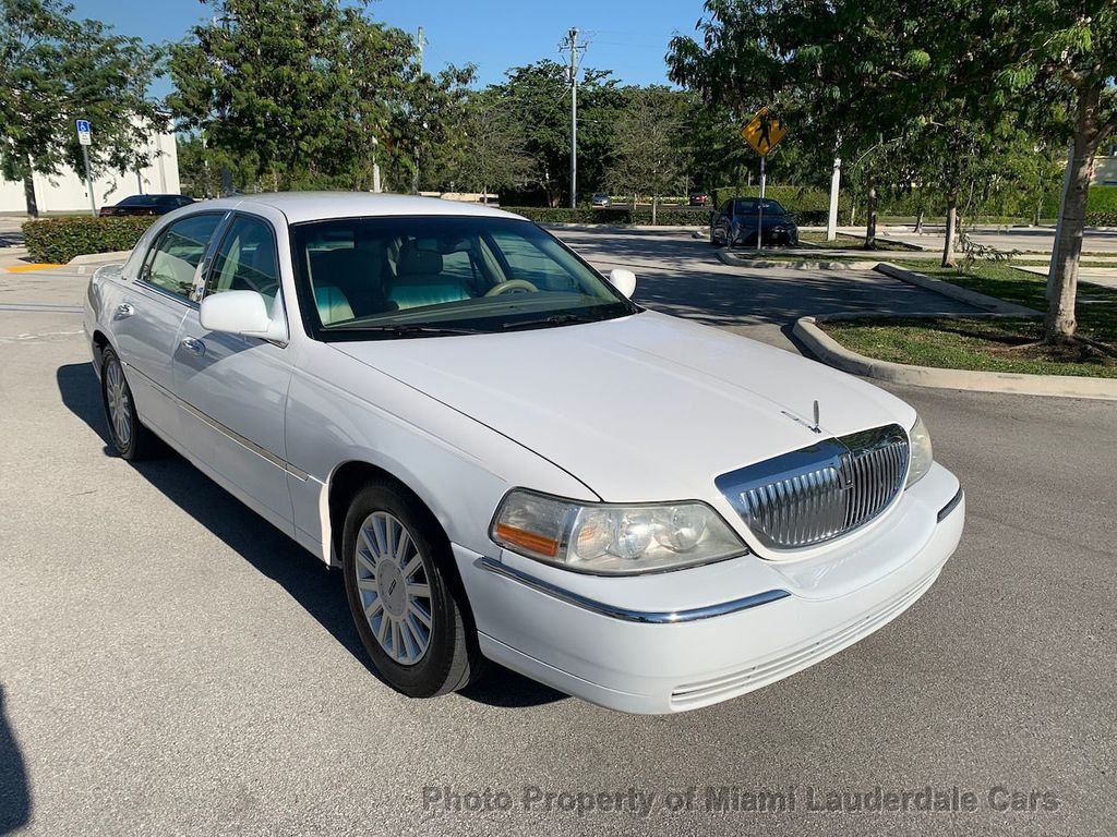2005 Lincoln Town Car Signature - 20351876 - 19