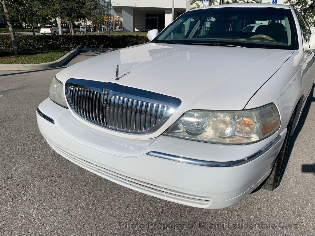 2005 Lincoln Town Car Signature - 20351876 - 20