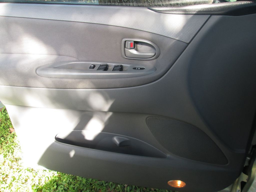 2005 Mazda MPV Base Trim - 14574812 - 11