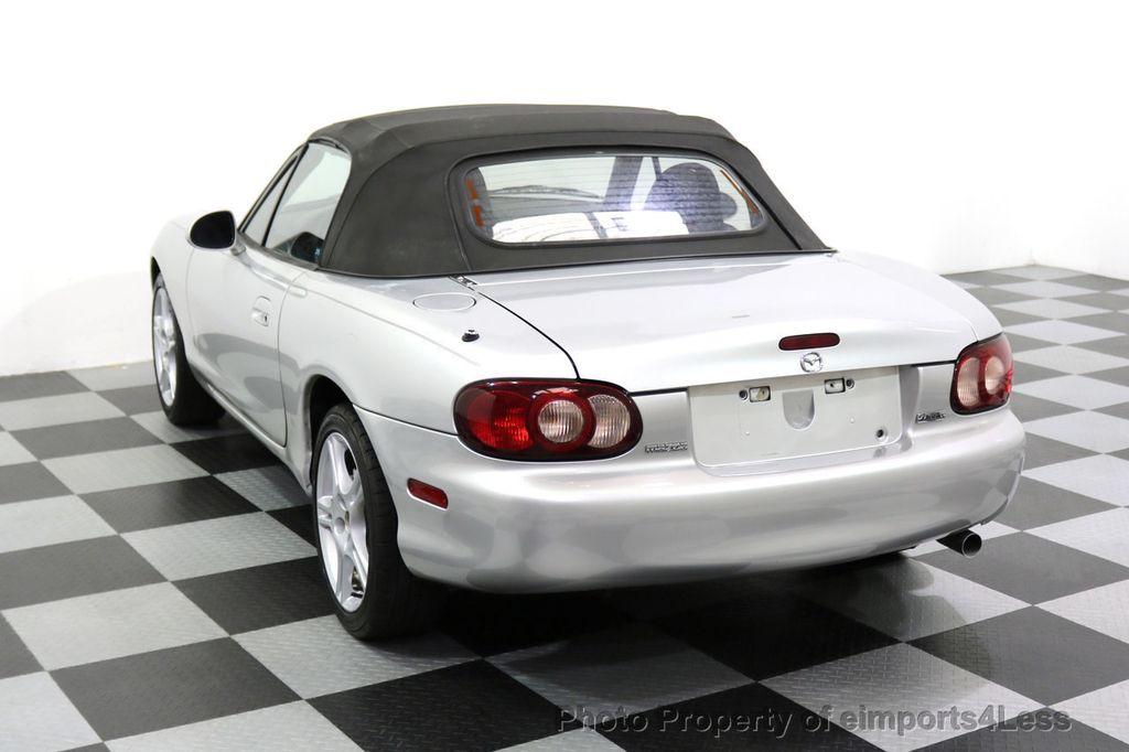 2005 Mazda MX-5 Miata 2dr Convertible Cloth Automatic - 17836885 - 10