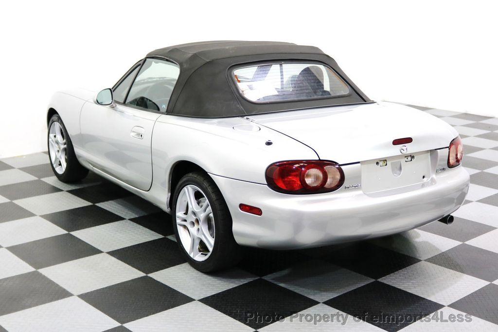 2005 Mazda MX-5 Miata 2dr Convertible Cloth Automatic - 17836885 - 18