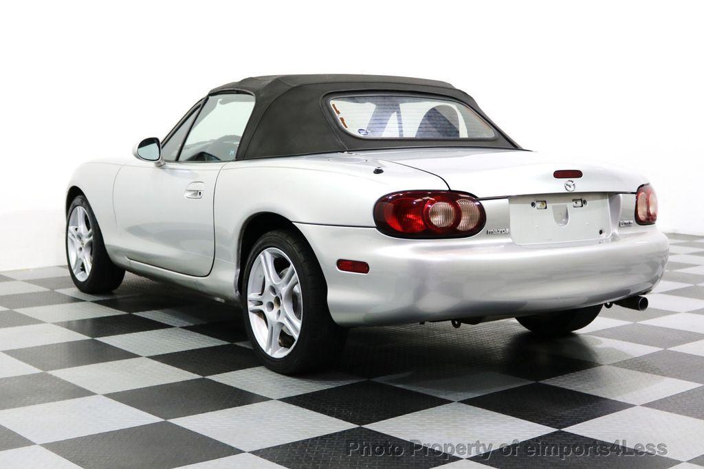 2005 Mazda MX-5 Miata 2dr Convertible Cloth Automatic - 17836885 - 2