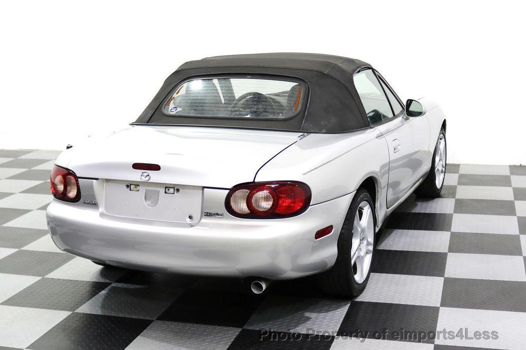 2005 Mazda MX-5 Miata 2dr Convertible Cloth Automatic - 17836885 - 27