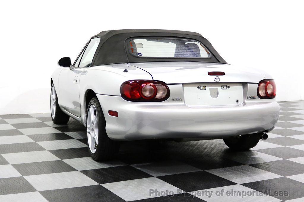 2005 Mazda MX-5 Miata 2dr Convertible Cloth Automatic - 17836885 - 30