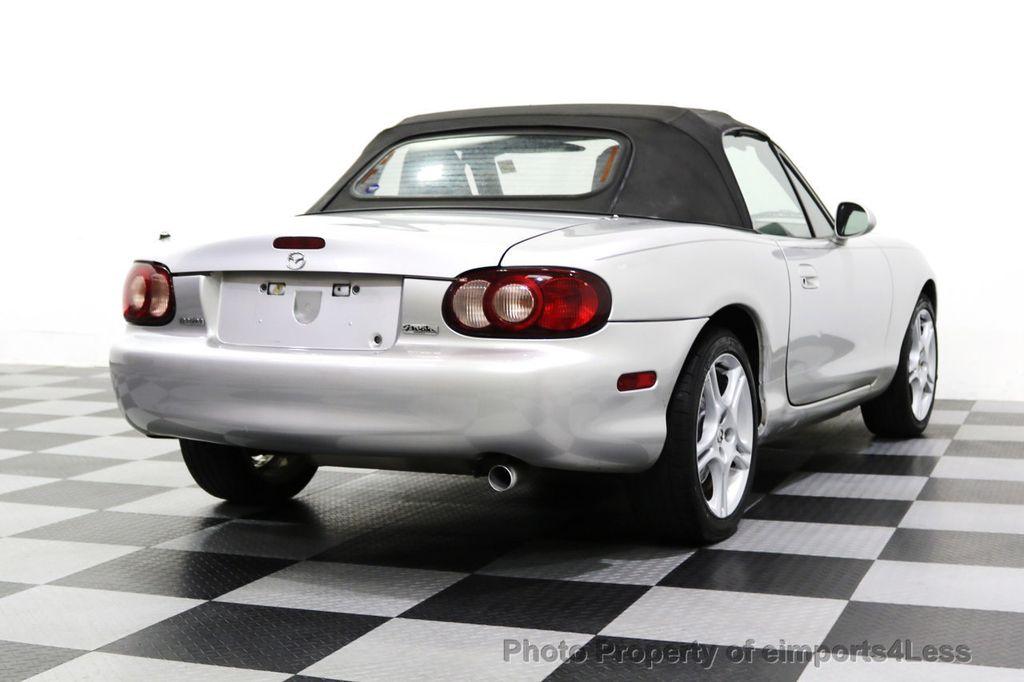 2005 Mazda MX-5 Miata 2dr Convertible Cloth Automatic - 17836885 - 31