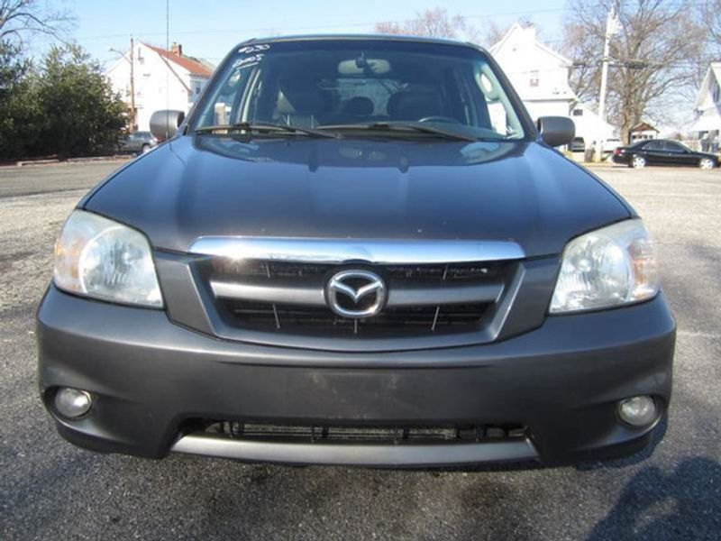 http://4-photos5.motorcar.com/used-2005-mazda-tribute-4x4limiteds-12133-14741138-4-800.jpg