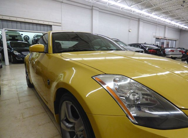 2005 Nissan 350Z 2dr Coupe 35th Anniv. Edition Automatic - Click to see full-size photo viewer