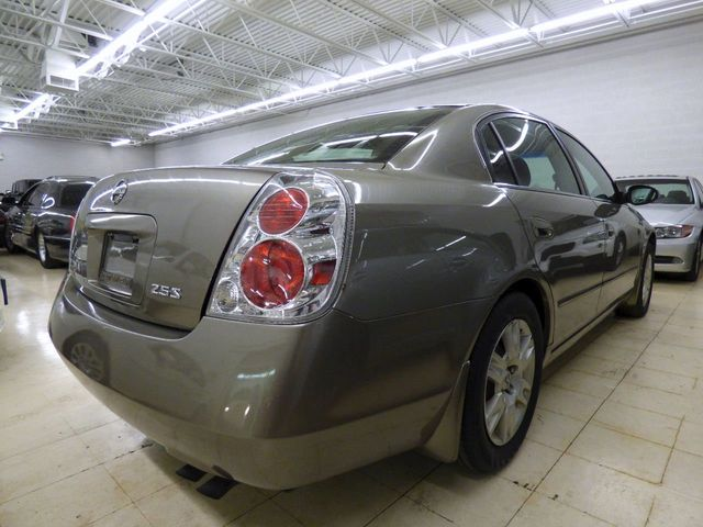 2005 Nissan Altima 4dr Sedan I4 Automatic 2.5 S - Click to see full-size photo viewer