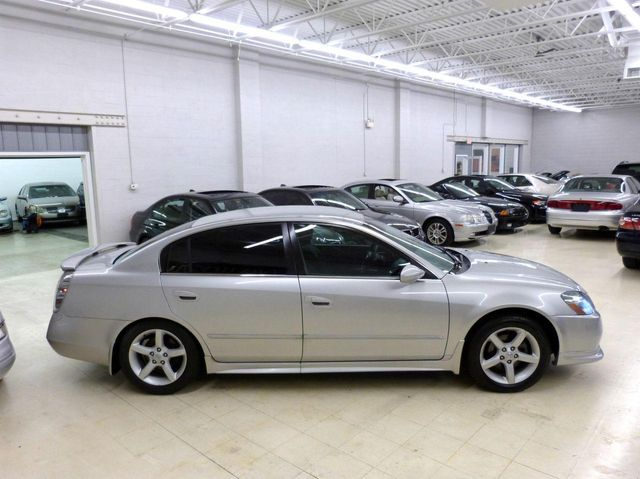2005 used nissan altima 4dr sedan v6 manual 3 5 se at luxury automax rh luxuryautomax com nissan altima 2005 manual gratis nissan altima 2005 manual transmission